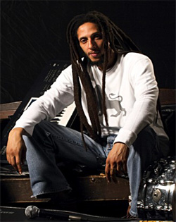 julian-marley-ft.-damian-marley-violence-in-the-streets