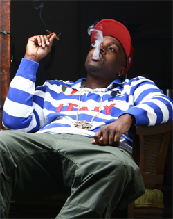 smoke-dza-ft.-curtns-give-it-up-premiere