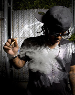yukmouth-ft.-ray-j-crooked-i-im-a-gangsta