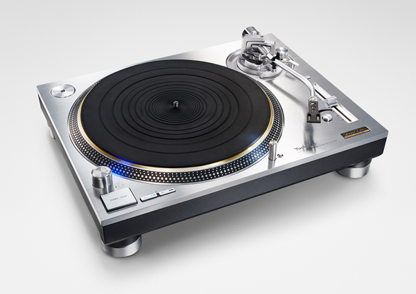 the-technics-1200-turntables-are-back