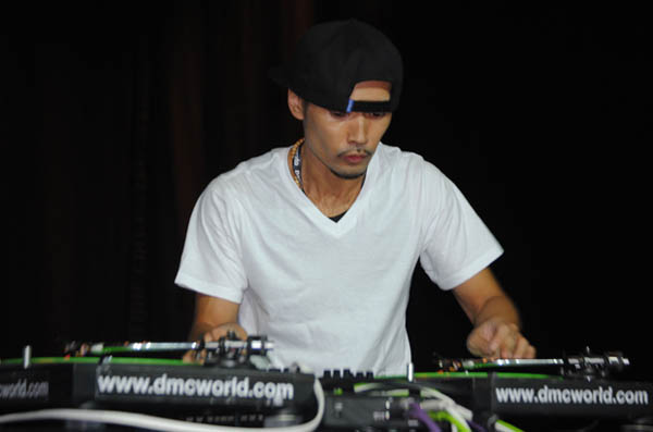 [Turntablist Video Friday] DJ IZOH's DMC World 2012