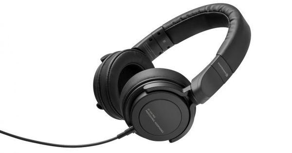 Beyerdynamic DT-240 PRO Headphones Pic