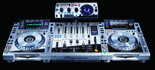 [NAMM 2013] Pioneer&#8217;s Platinum Limited Edition DJ Gear