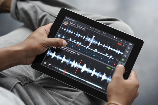 [Video] Traktor DJ App for iPad Released!