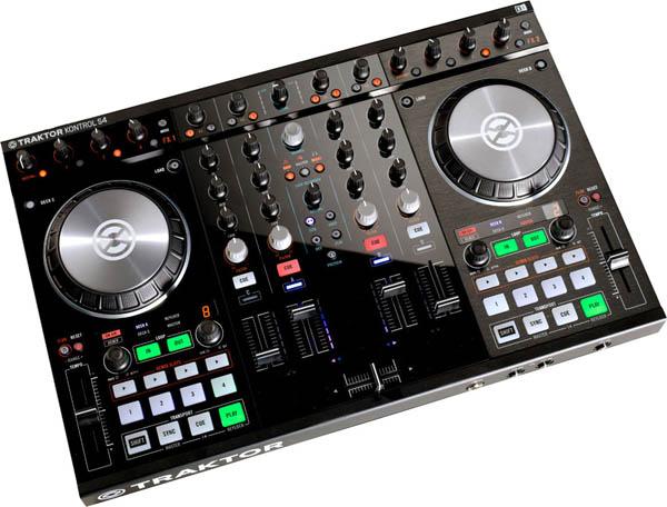 Traktor Kontrol S4 MK2 Digital DJ Controller