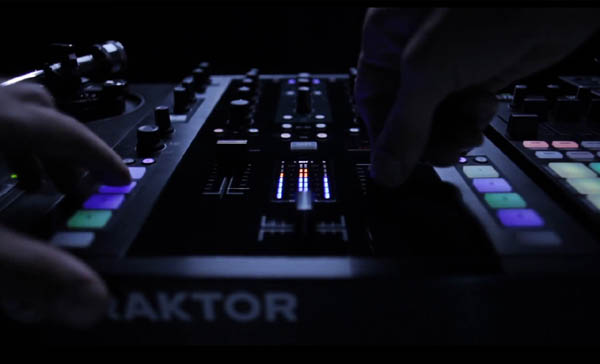 Traktor Kontrol Z2