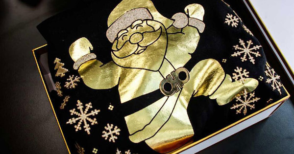 2016-12-16-2-chainz-90k-christmas-sweater