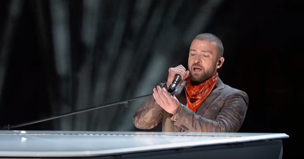 2018-02-05-justin-timberlake-super-bowl-performance