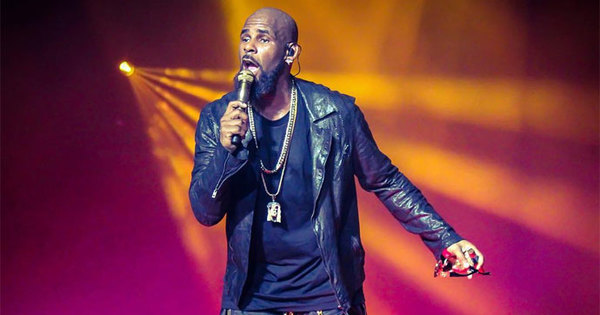 21015-11-19-r-kelly-not-okay