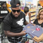 2015-08-04-jeezy-donates-1000-backpacks
