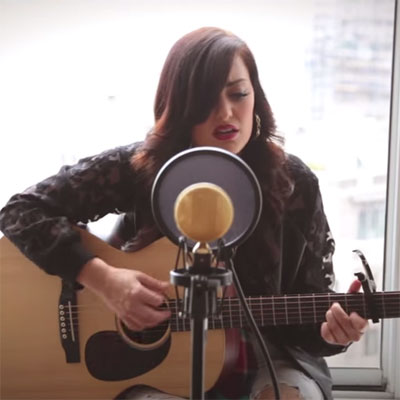 janine-the-mixtape-hold-on-live-acoustic-performance