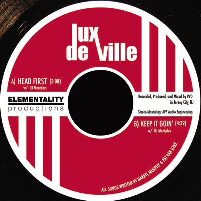 lux-deville-head-first